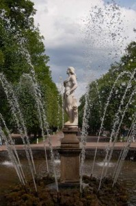 FOUNTAIN AT PETERHOF